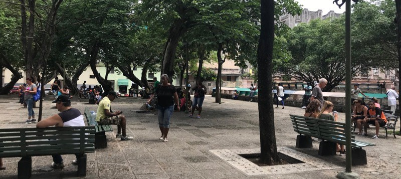 WiFi hotspot park in Havana Centro