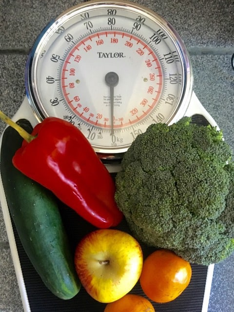 photo of scale with fruit and vegetables